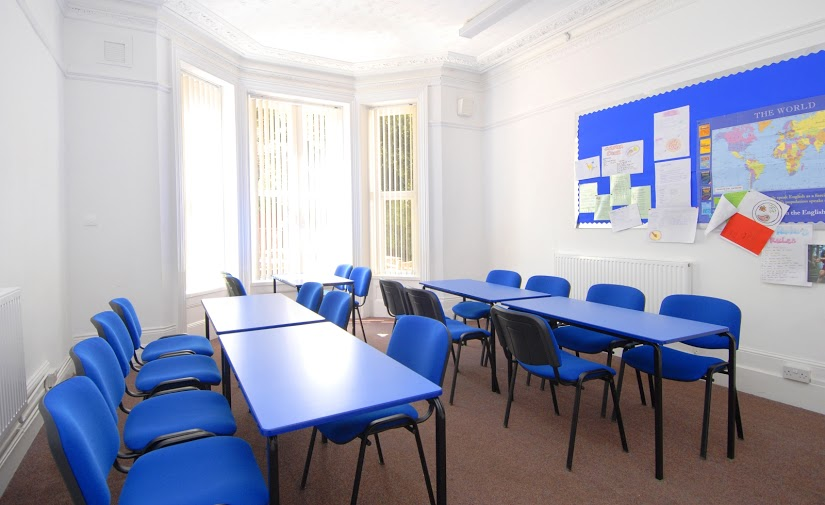 Course English in Bournemouth. Junior Independent