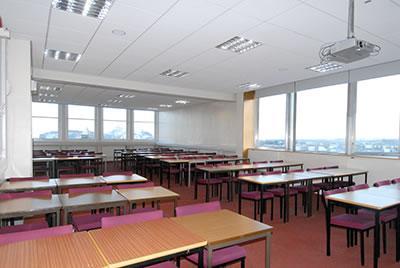 Course English in Edinburgh Cultural. Junior Independent