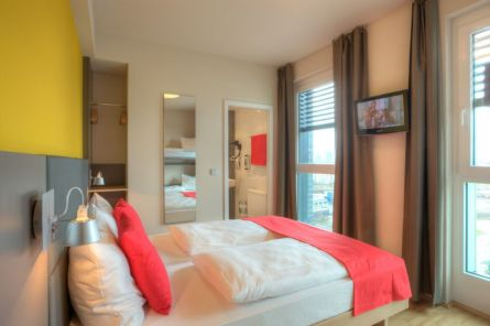 Superior Youth Hostel (single room, without meals or with breakfast)