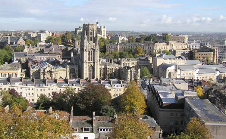 Course English in Bristol Superior